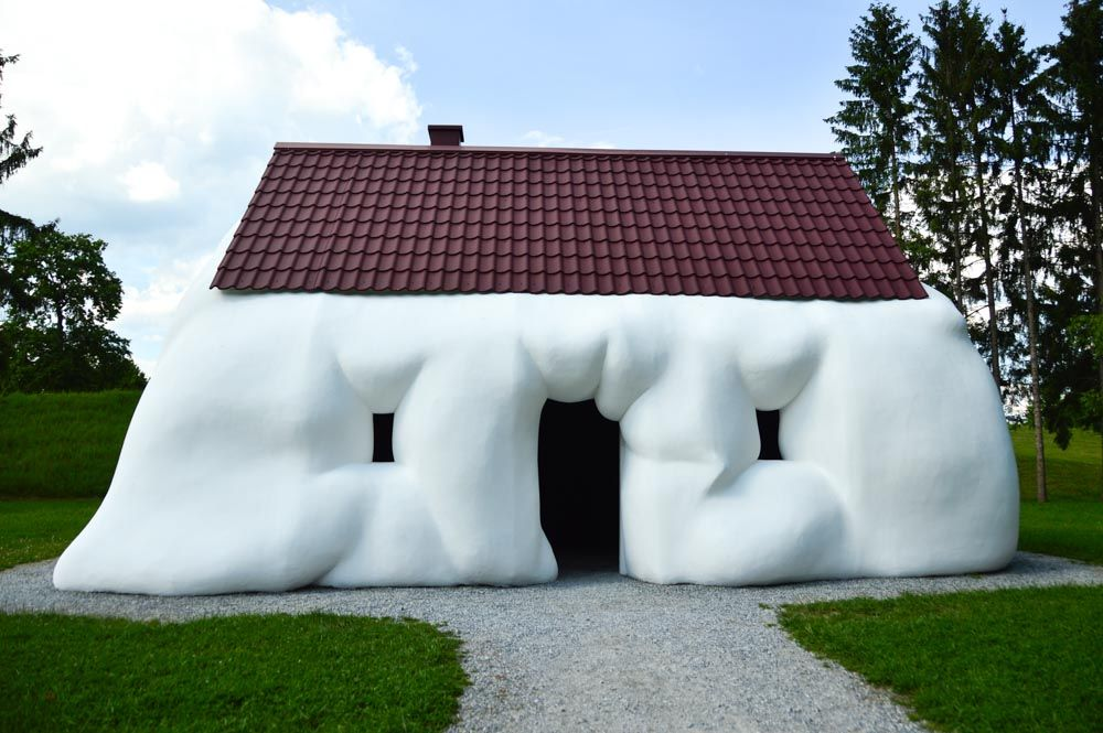 austria_graz_austrian-sculpture-park-fat-house