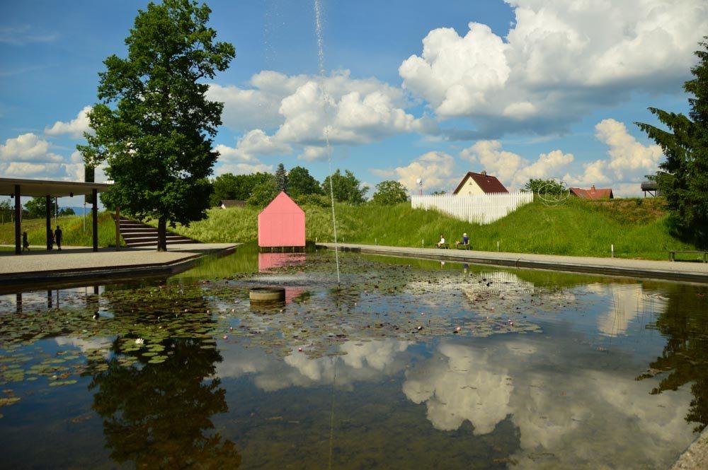 austria_graz_austrian-sculpture-park-lake