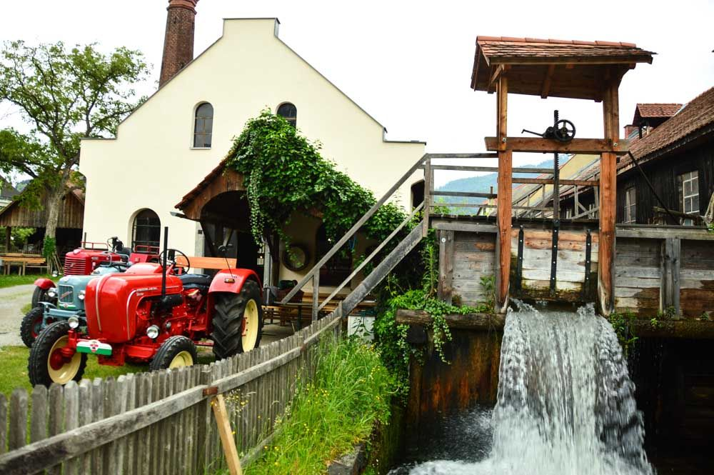 austria_graz_scythe-museum-water