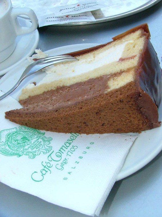 austria_salzburg_cafe-tomaselli-cake