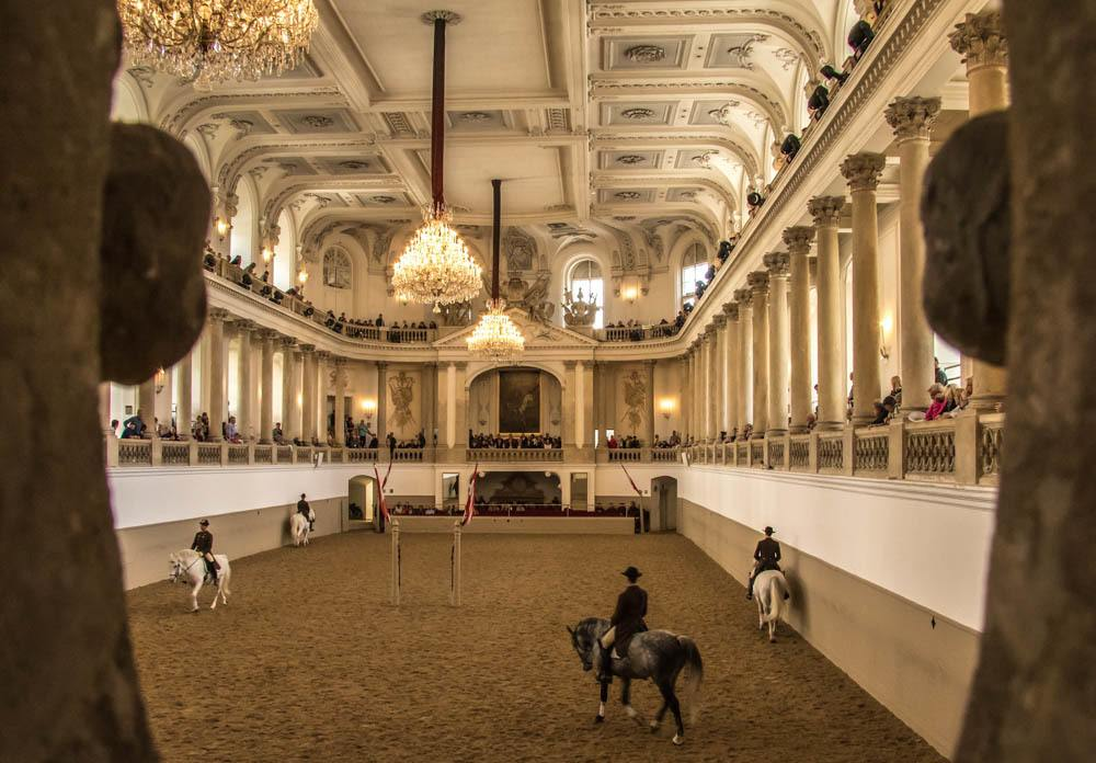 austria_vienna_spanish-riding-school