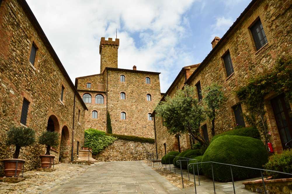 italy_montepulciano_banfi-albergo