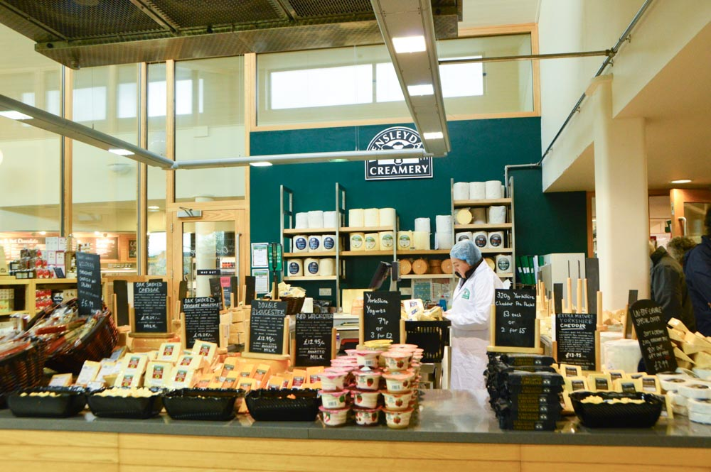 england_yorkshire-wensleydale-creamery-cheese-shop