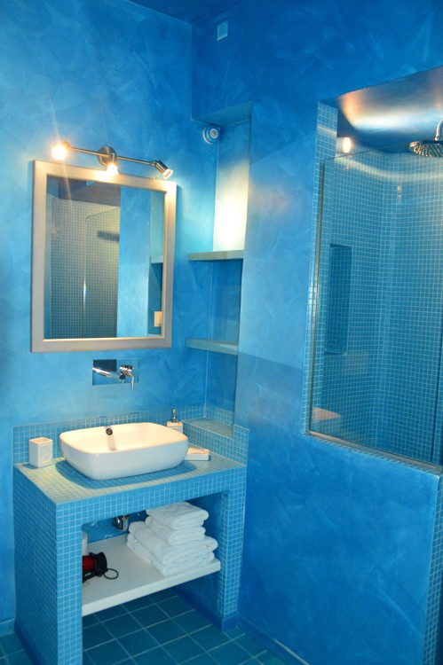 greece_ios_mylopotas-beach-gorgona-hotel-bathroom