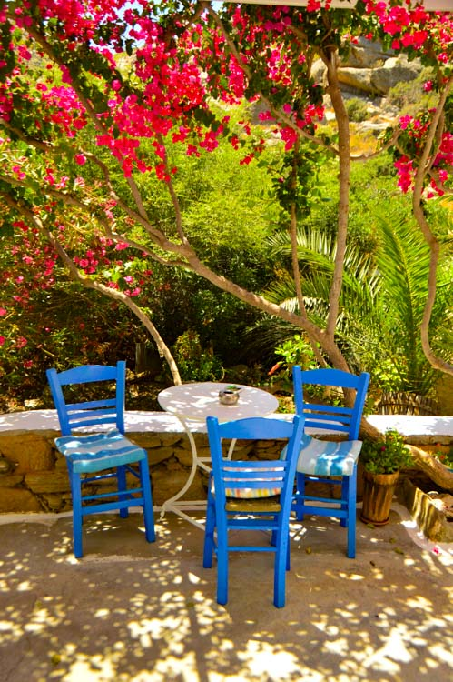 greece_ios_mylopotas-beach-gorgona-hotel-table-and-chairs