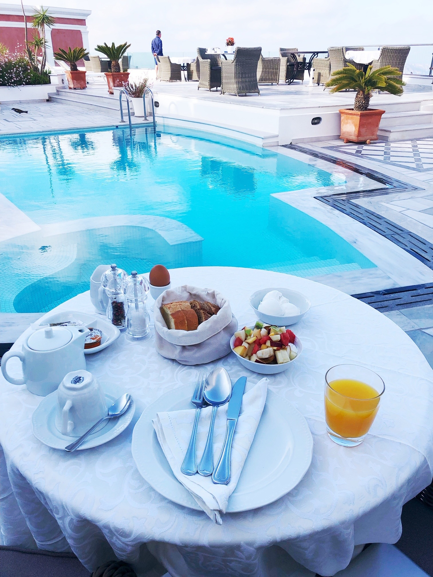 greece_santorini_andeliz_breakfast