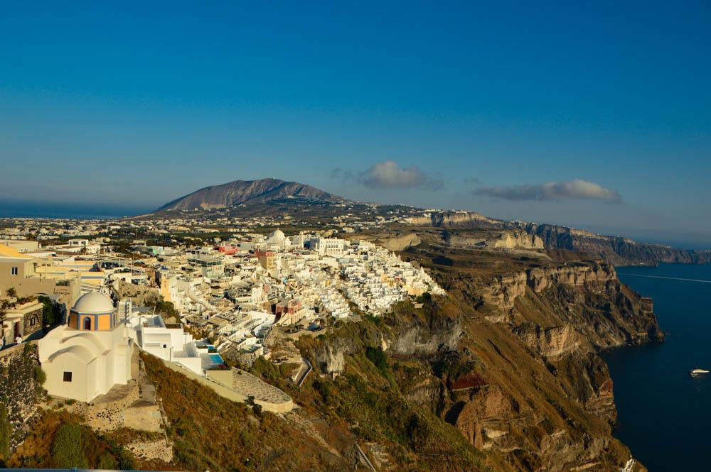 greece_santorini_view-over-thira-with-sky