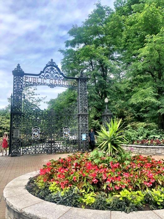 Canada_Novascotia_halifax-gardens-entrance