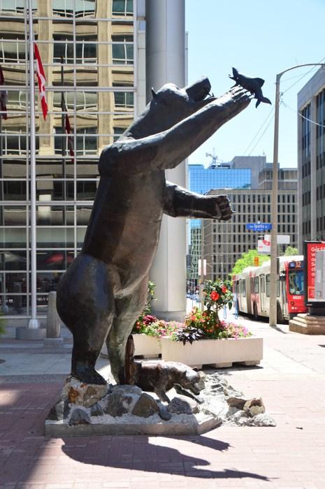 Canada_ottawa_sparks-st-bear