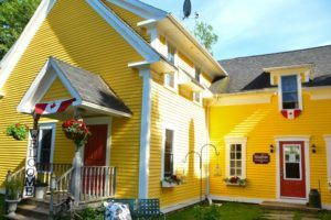 canada_new-brunswick_maplegrove-inn-exterior