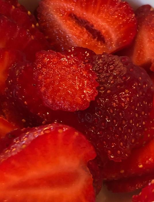 canada_new-brunswick_webster-house-breakfast-strawberries
