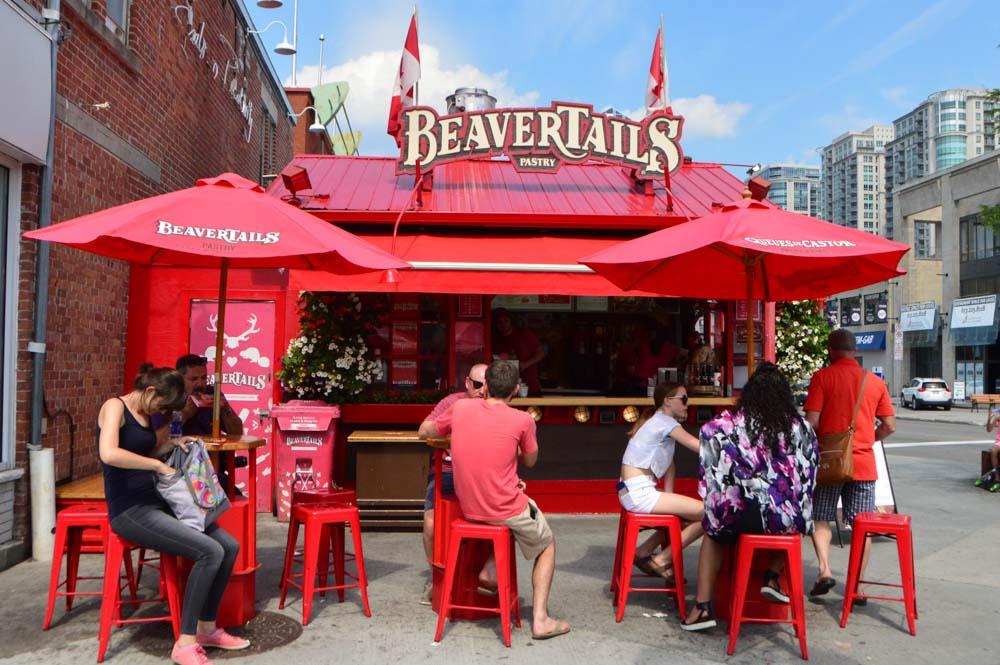 canada_ottawa_byward-market-beaver-tails-stand