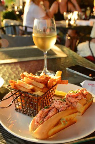 canada_ottawa_fairmont-laurier-la-terrasse-lobster-roll