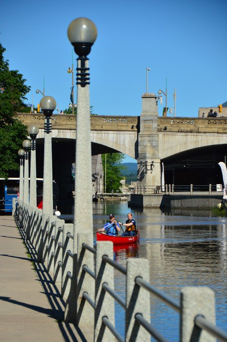canada_ottawa_ivew-from-rideau-canal-tour