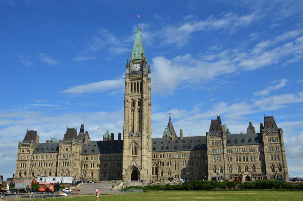 canada_ottawa_parliament-hill