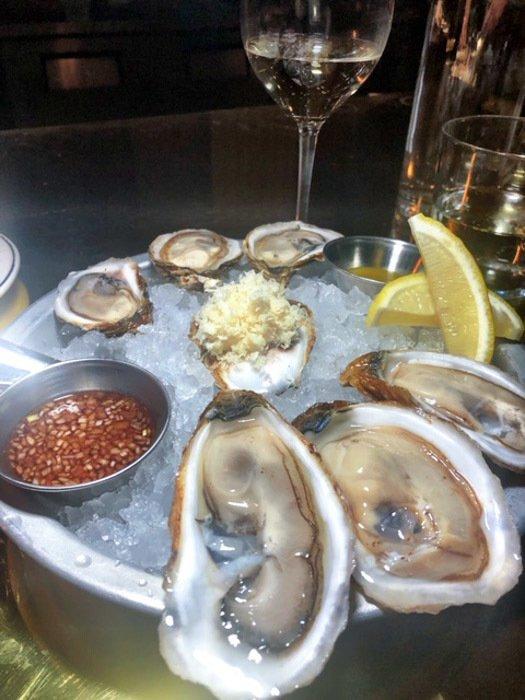 canada_ottawa_riviera-restaurant-oysters