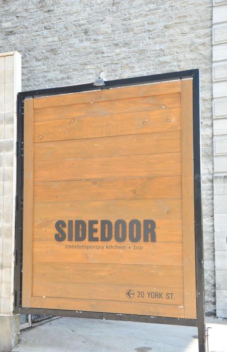 canada_ottawa_sidedoor-sign