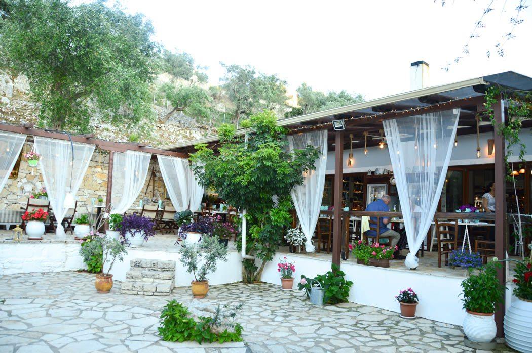 greece_paxos_gaios-restaurant-carnayo