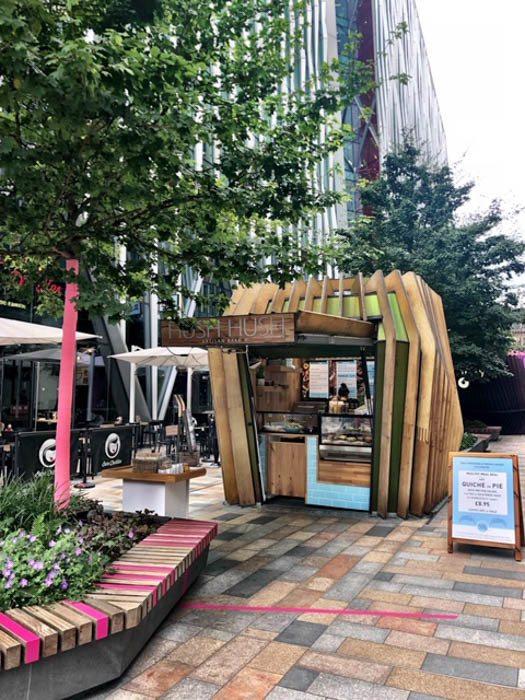 london_victoria_nova-outdoor-stall