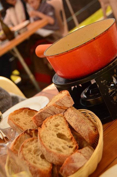 switzerland_verbier_le-namaste-fondu-bread