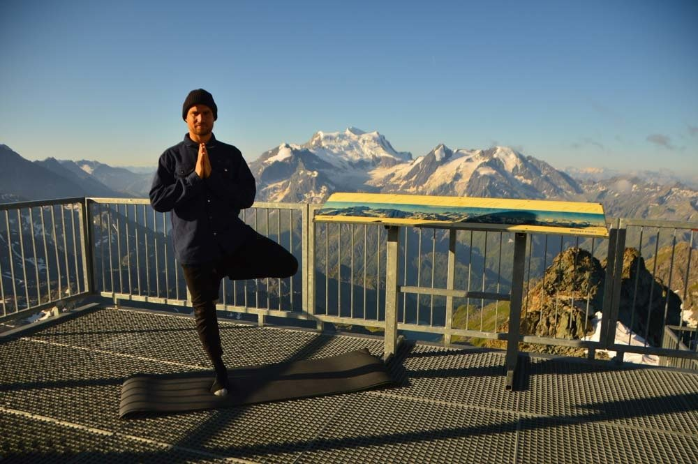 switzerland_verbier_mont-fort-yoga-pose