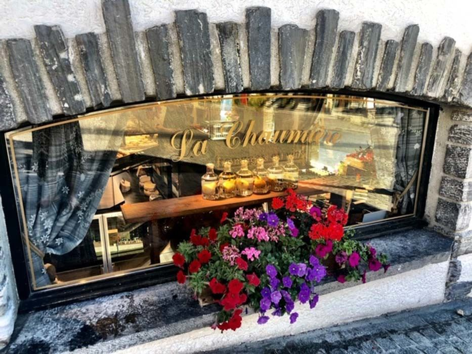 verbier_switzerland_cute-window