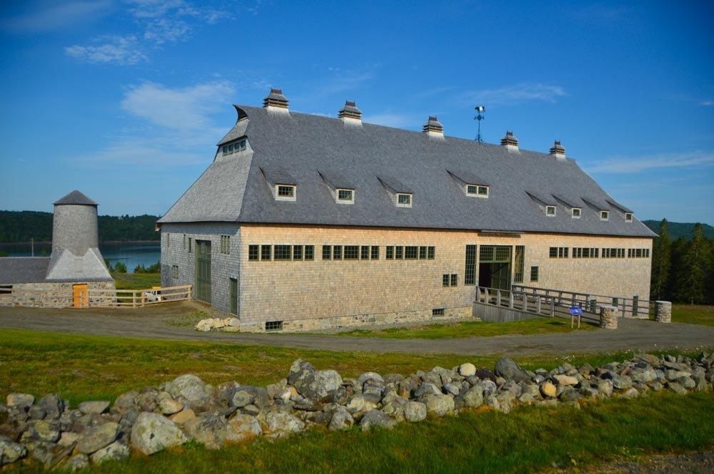 canada_new-brunswick_ministers-island-barn