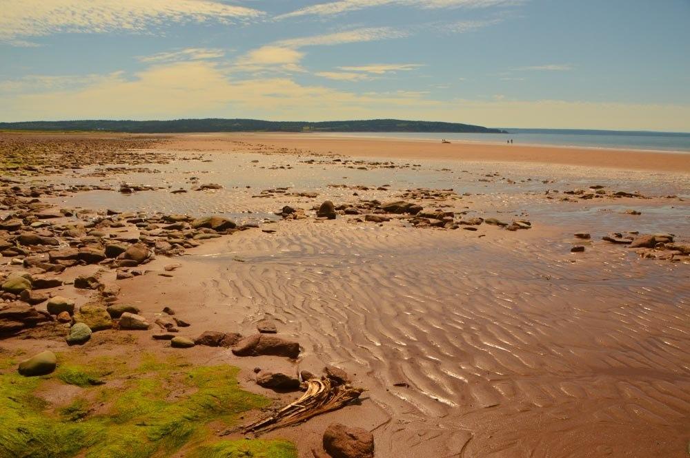 canada_new-brunswick_waterway-beach