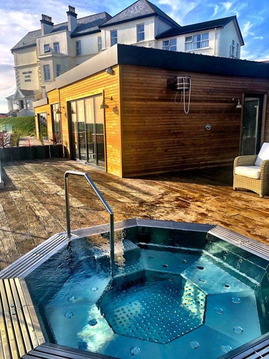 england_cornwall_mullion-cove-jacuzzi-view