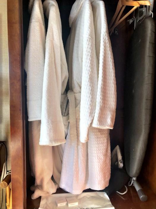 england_cornwall_mullion-cove-room-robe-choice