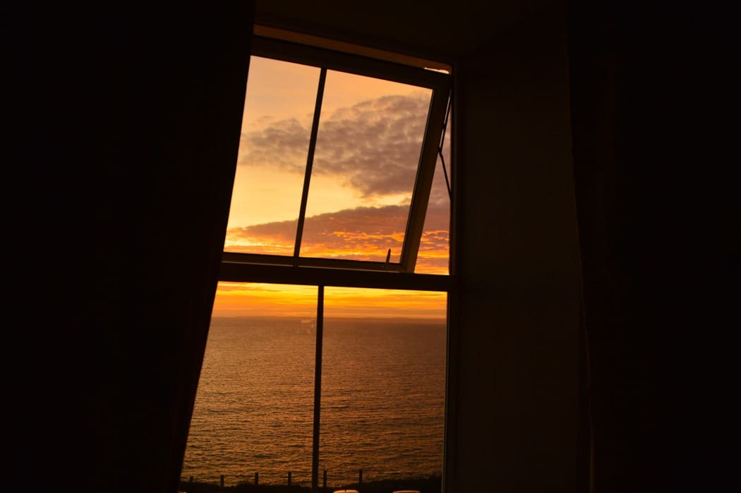 england_cornwall_mullion-cove-sunset-from-room
