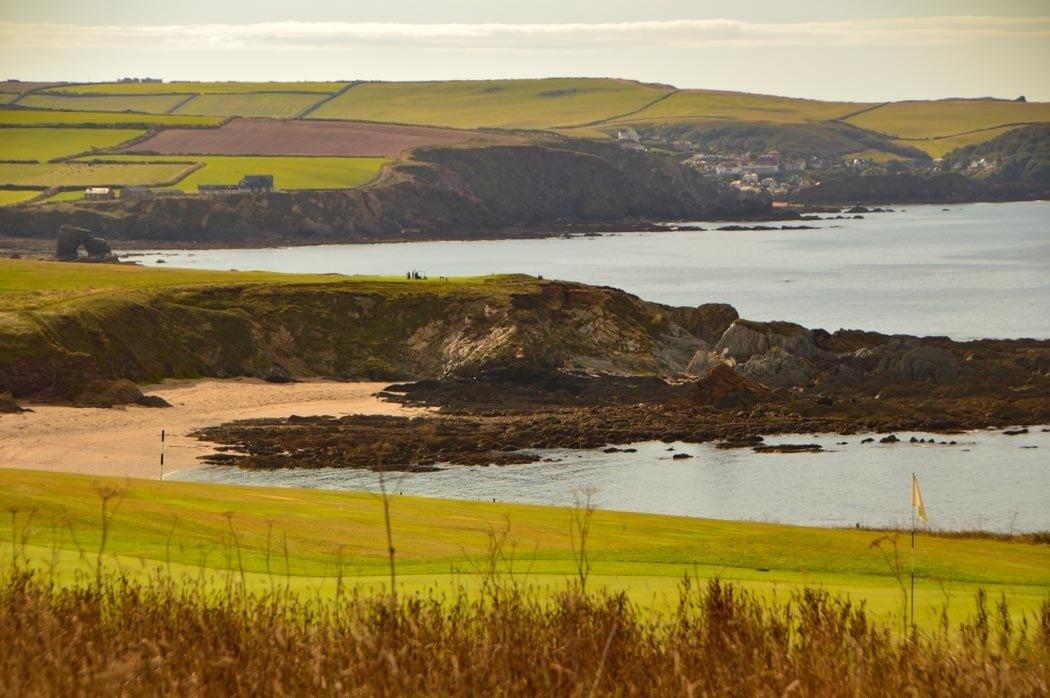 england_devon_south-west-coastal-path-beach-rock
