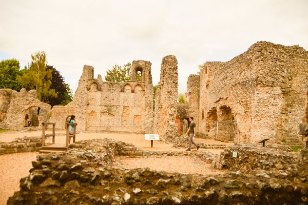 england_winchester_wolveley-castle-ruins