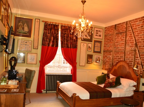 england_winchester_wykeham-arms-bedroom