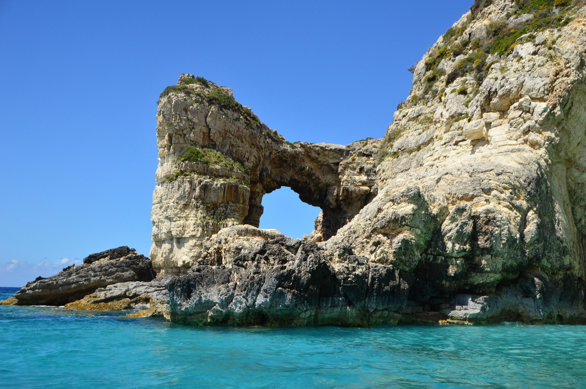 greece_paxos_tripitos-arch-from-water2