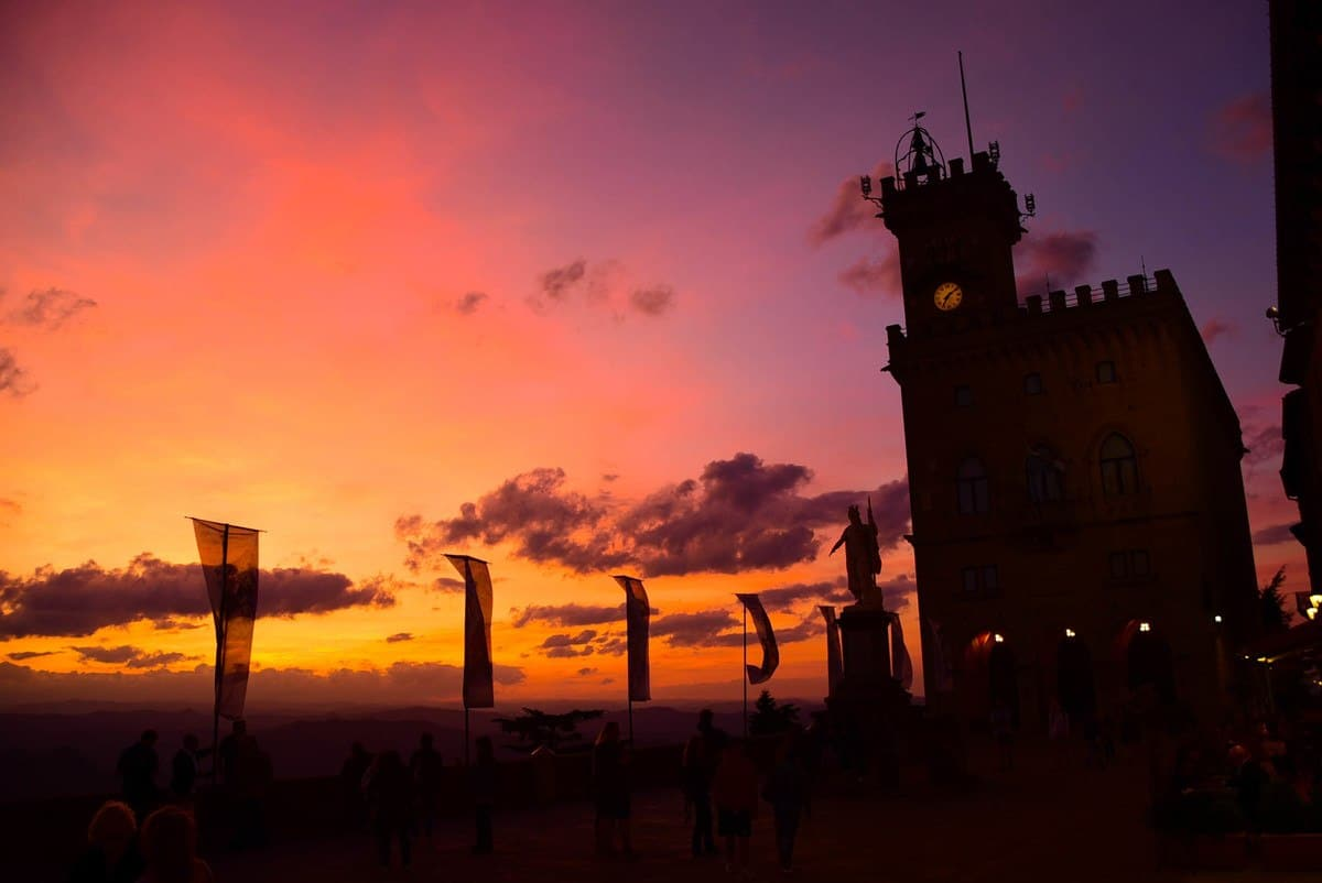 italy_san_marino_sunset-main-square-2