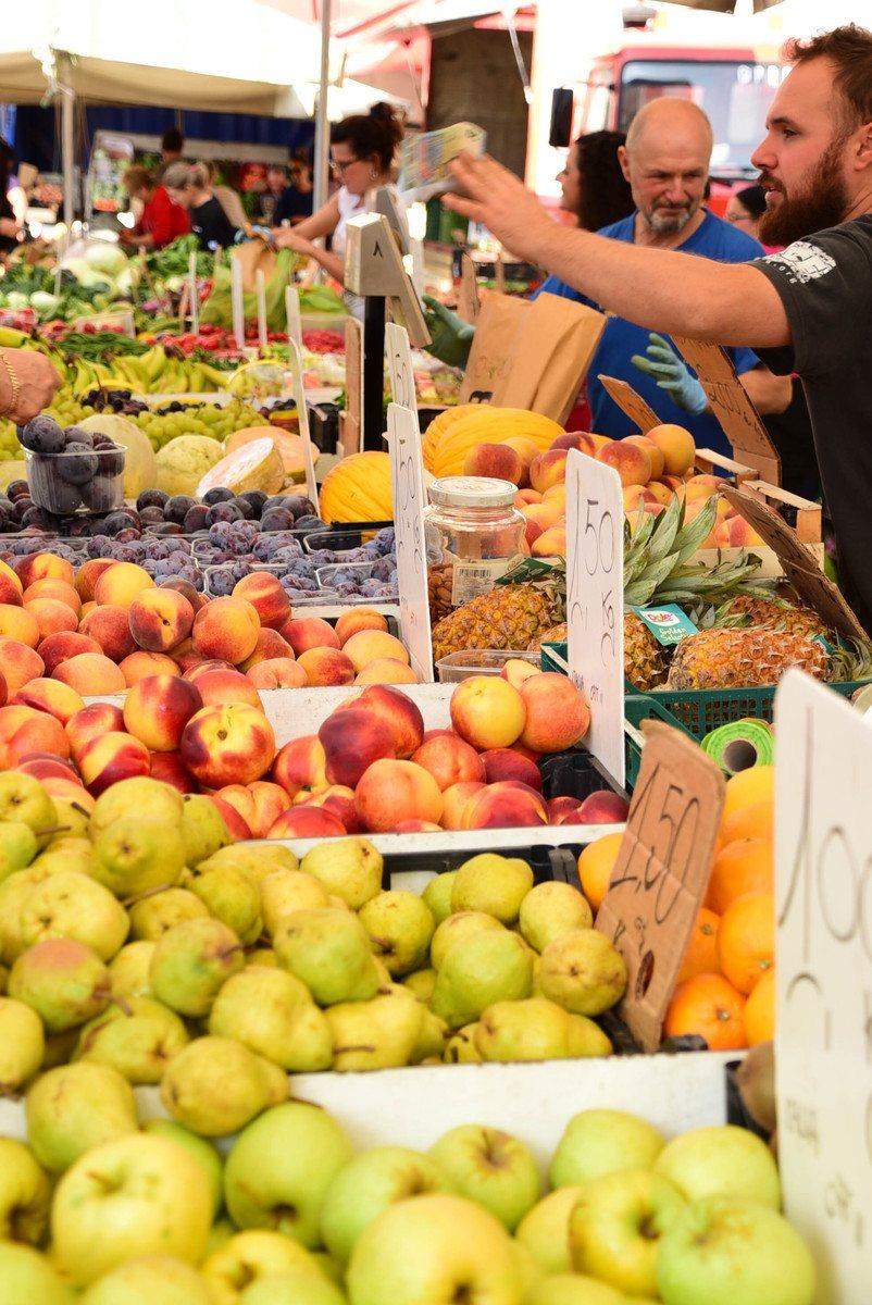 Italy_Forlimpopoli_market