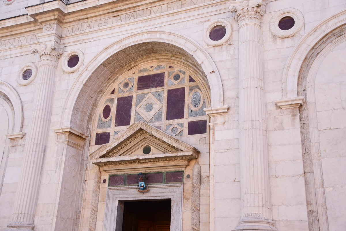 Italy_Rimini_church-detail