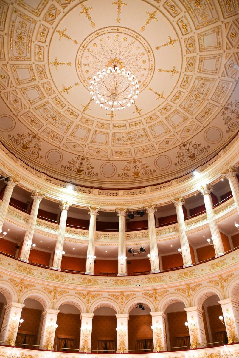 Italy_Rimini_threatre-ceiling