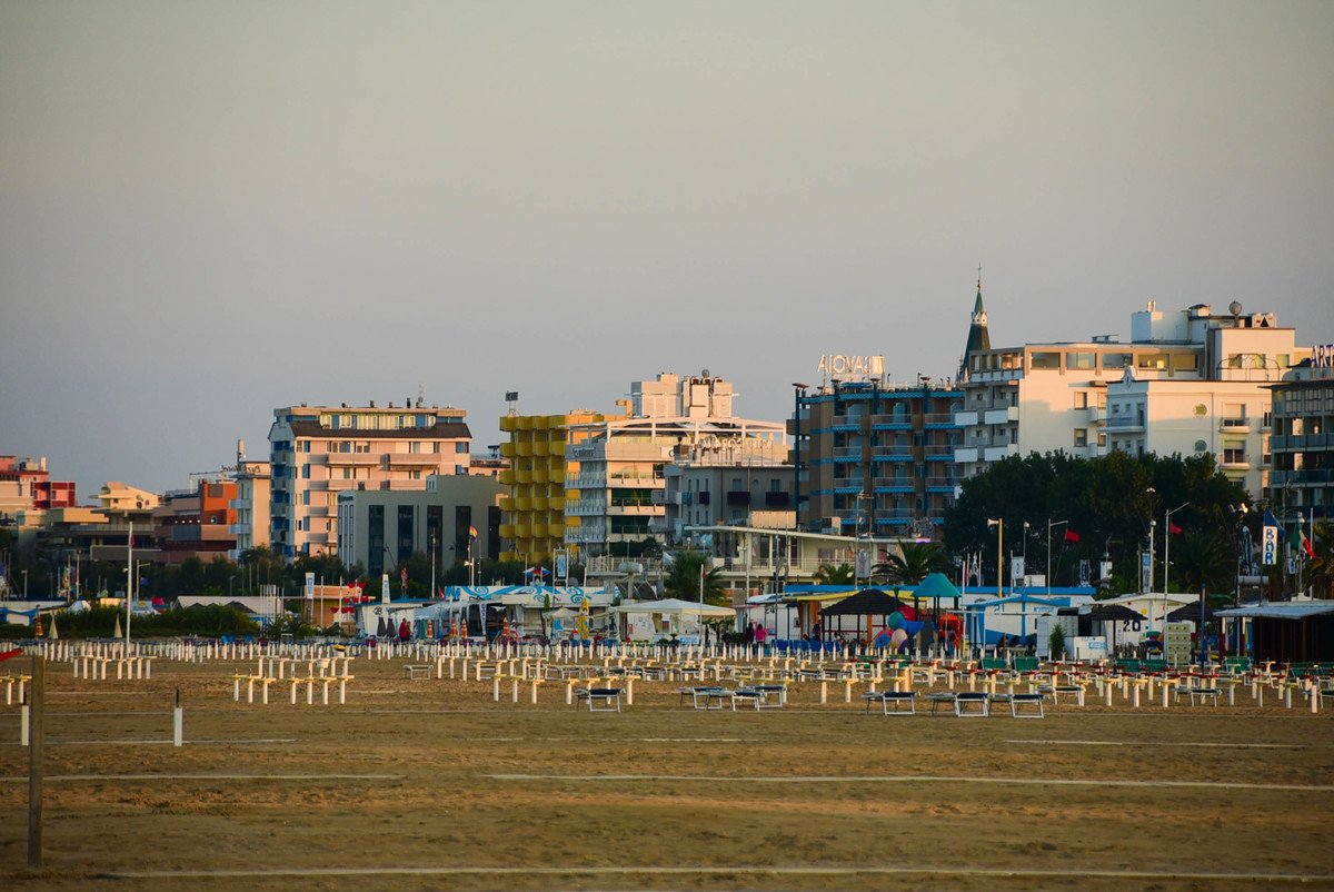 Italy_Rimini_waterfront-hotels-chairs