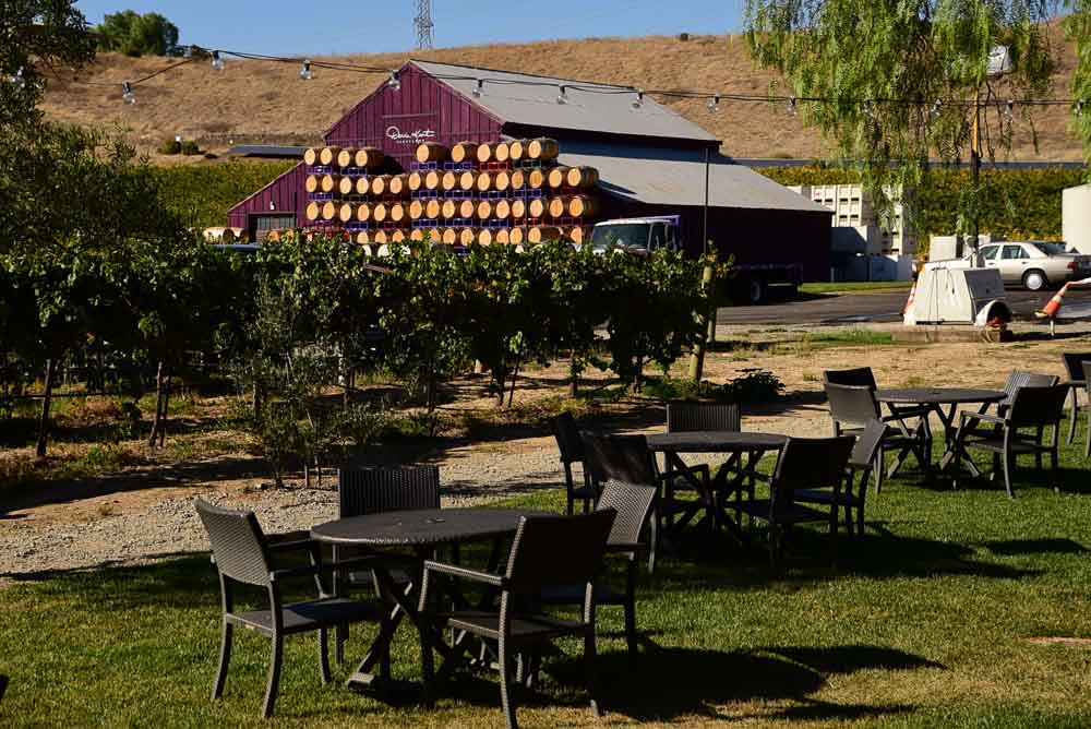 california_livermore_darcie-kent-winery-outdoor-seat