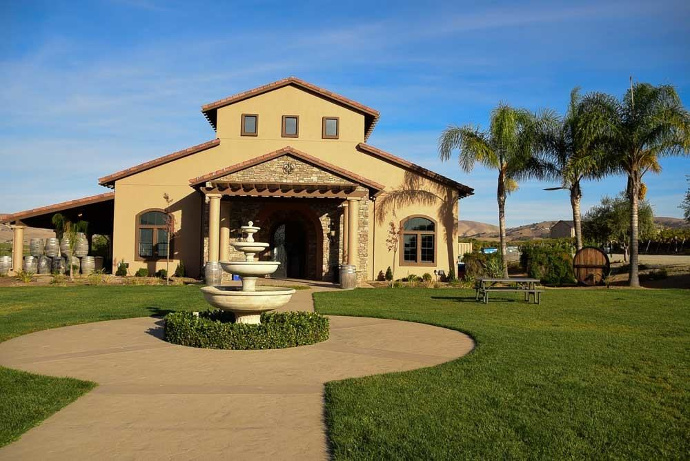 california_livermore_mcgrail-vineyard-entrance
