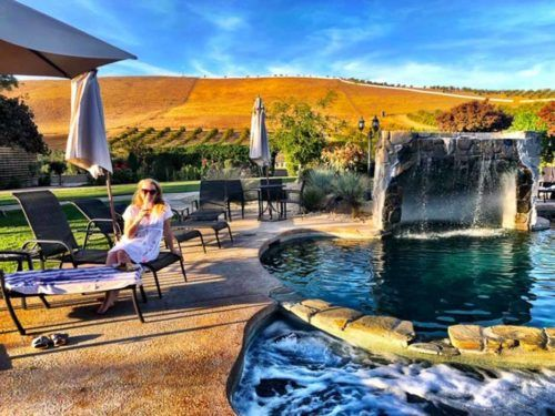 california_livermore_purple-orchid-hotel-pool-and-chairs