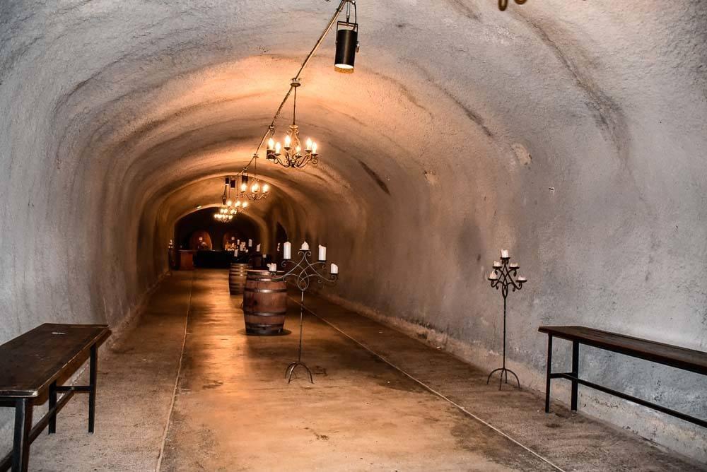 california_livermore_wente-inside-wine-cave