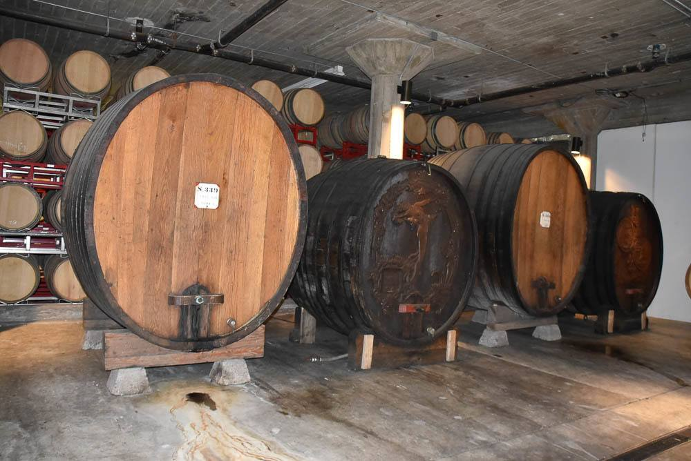 california_livermore_wente-winery-old-wine-barrel
