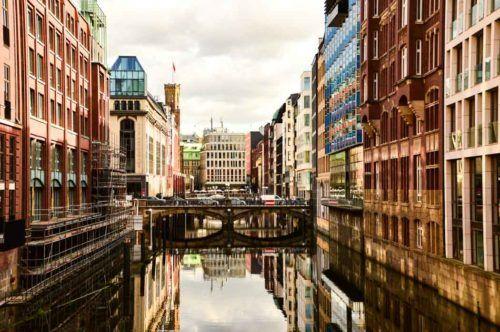 germany_hamburg_canal