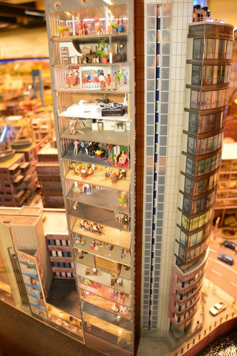 germany_hamburg_miniatur-wunderland-apartment-b