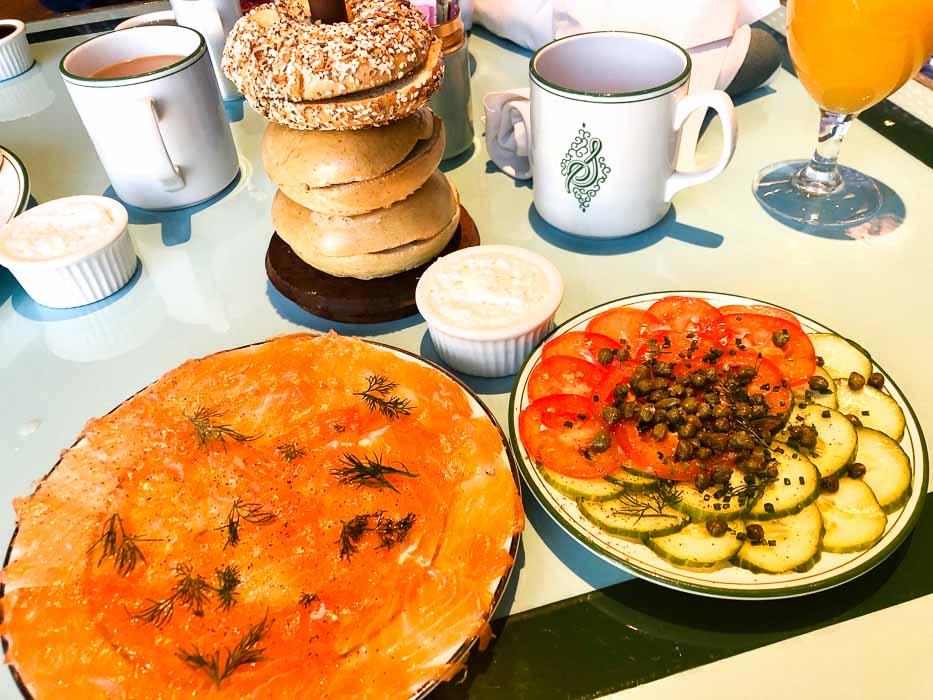 las_vegas_bellagio-sadelle's-bagel-salmon