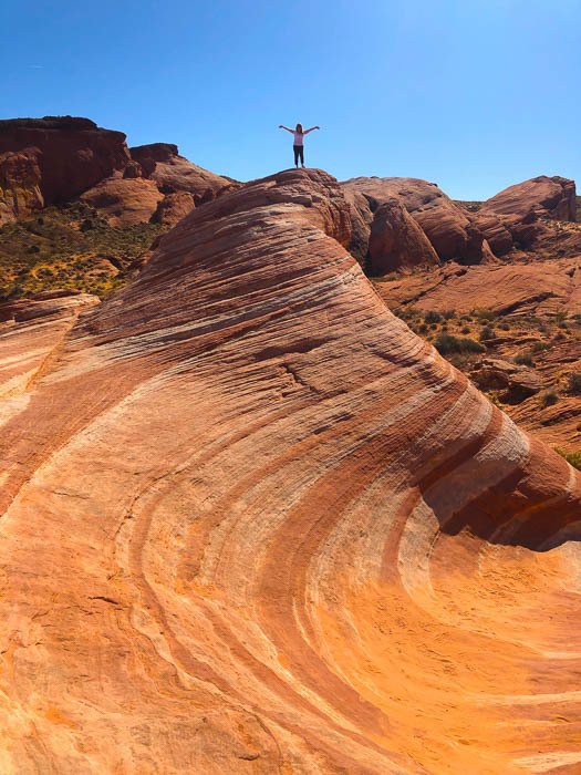 las_vegas_valley-of-fire-person-on-top-of-rock