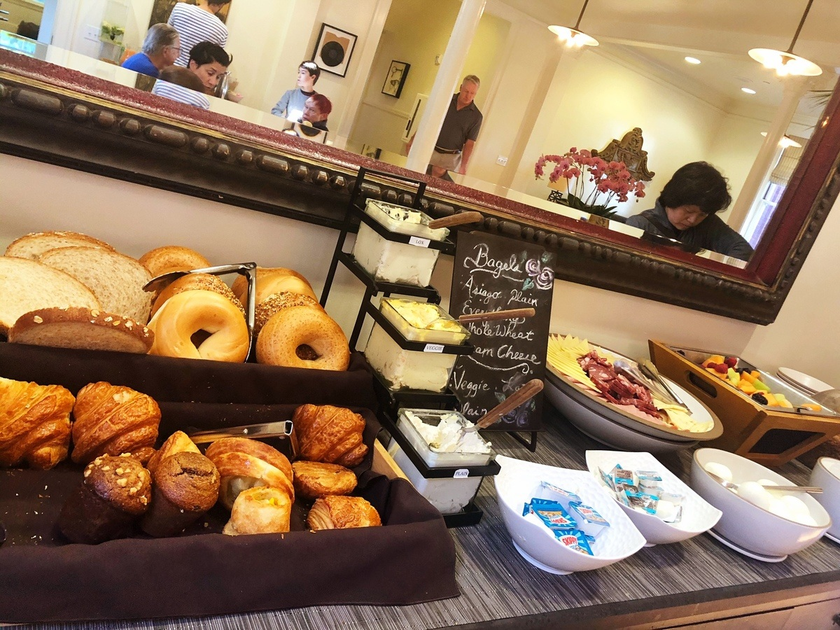 san_francsisco_inn-at-the-presidio-breakfast-buffet